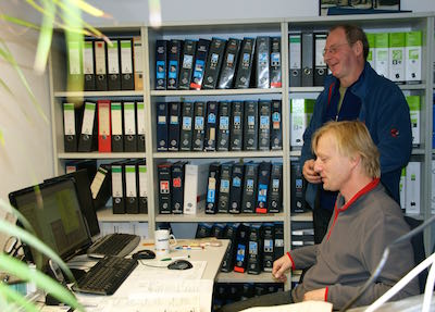 Bei Hartmann im Büro